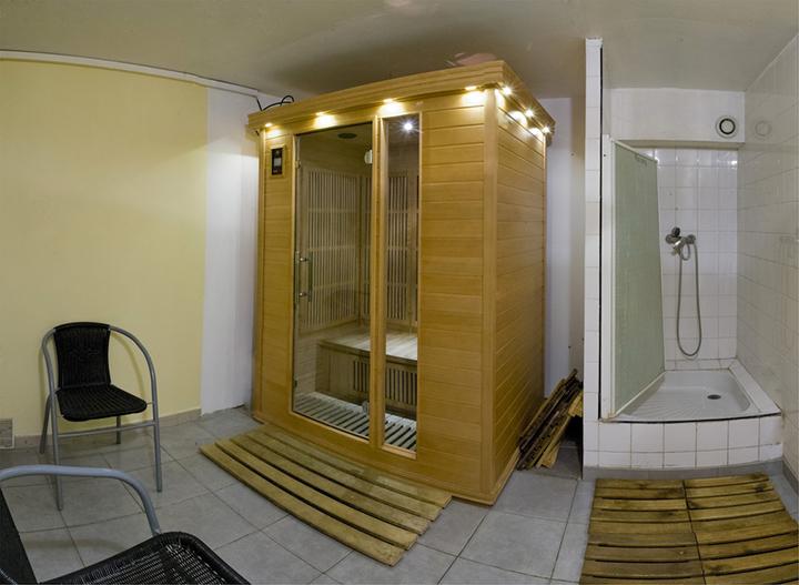 salle de sport fitness et bien tre hy res gym passion. Black Bedroom Furniture Sets. Home Design Ideas